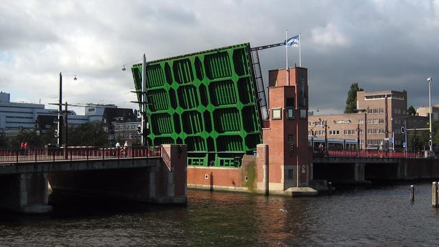 Berlagebrug in Amsterdam krijgt opknapbeurt van dertig miljoen euro