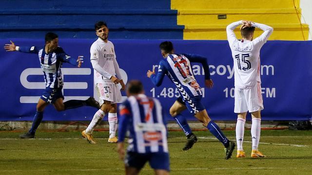 Real Madrid werd vernederd door Alcoyano in de Copa del Rey.