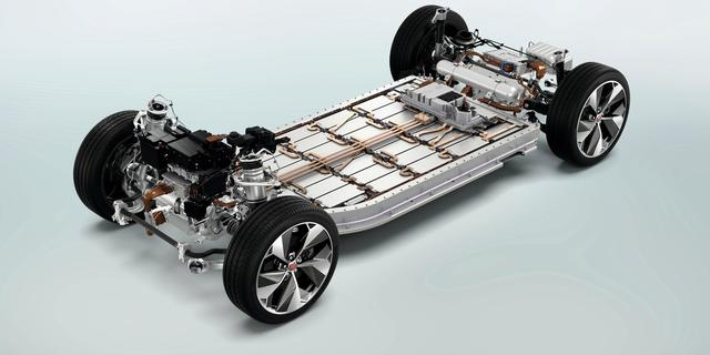 BMW in zee met Jaguar Land Rover voor onderdelen elektrische auto's