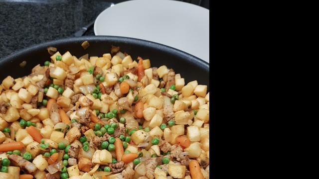 Het familierecept: 'Iedereen lust de Servische aardappels van m'n moeder'