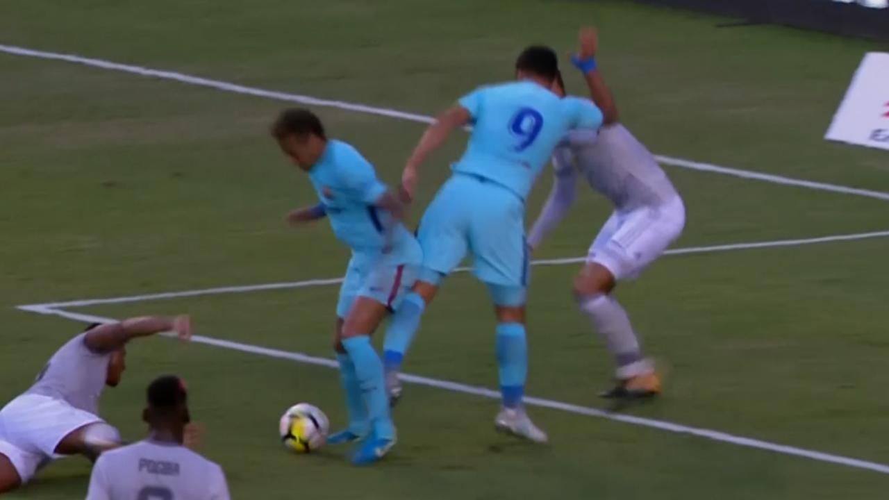 Neymar schiet Barcelona langs Manchester United in oefenwedstrijd