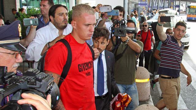 Roma-aanwinst Karsdorp vier weken uitgeschakeld na knieoperatie