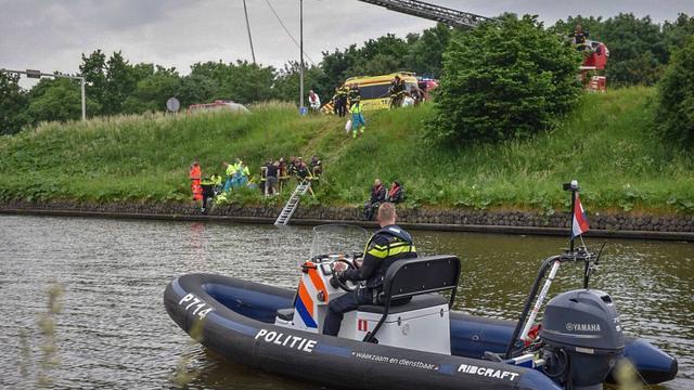 Man (72) overleden tijdens roeien Aarkanaal Alphen aan den Rijn