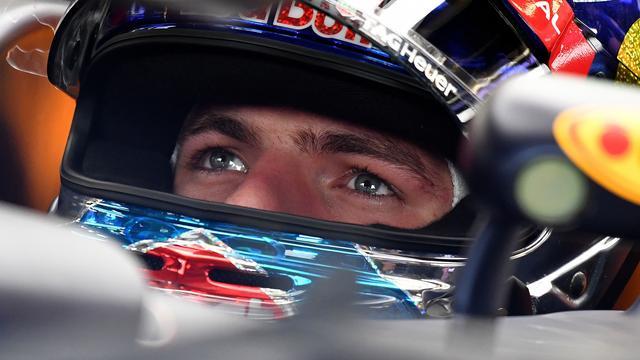 Verstappen rijdt zevende tijd in eerste training voor Britse GP