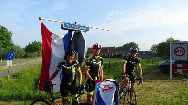 Deel Team Naalden al onderweg naar Alpe d'Huez