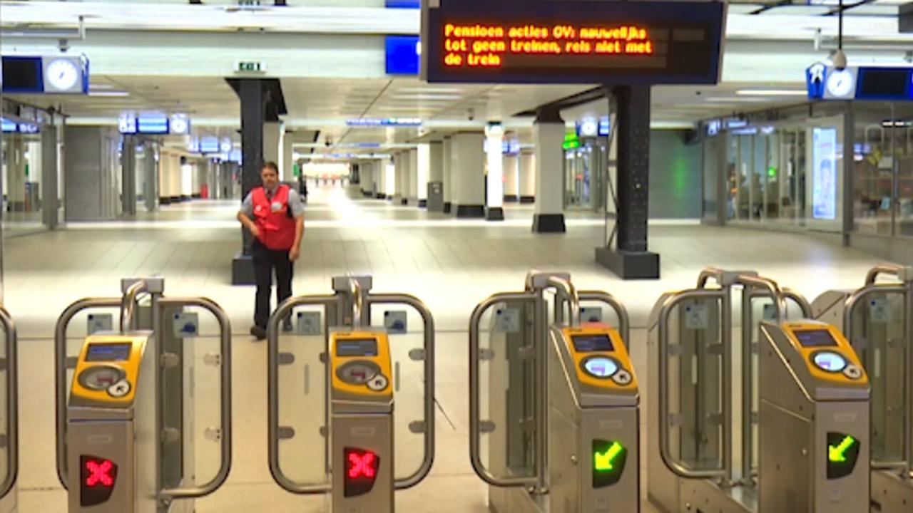 Stations nagenoeg verlaten door landelijke staking ov