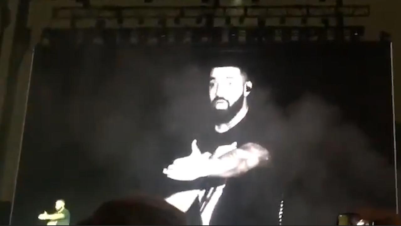 Drake verlaat podium in Los Angeles omdat publiek hem uitjoelt