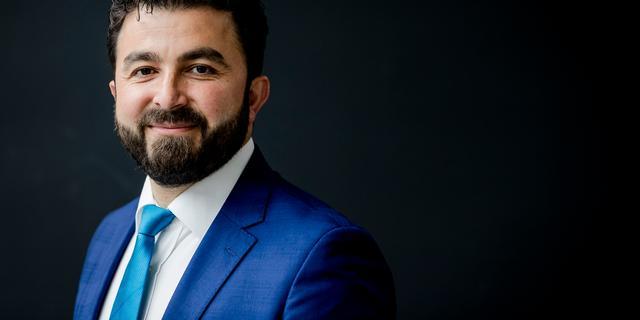 Özturk beraadt zich op juridische stappen tegen NRC Handelsblad