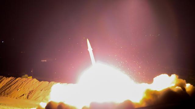 Iran bombardeert IS-doelen Syrië na aanslagen Teheran