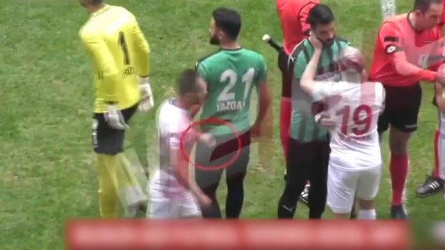 Turkse voetballer levenslang geschorst voor steken van tegenstanders
