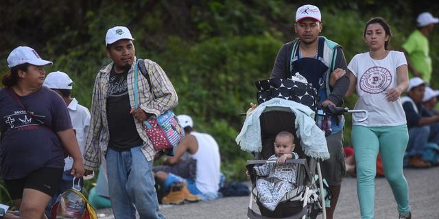 VS stuurt troepen naar grens met Mexico wegens migrantenkaravaan