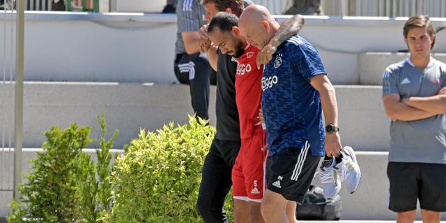 Klaiber verlaat trainingskamp Ajax in Oostenrijk met zware knieblessure