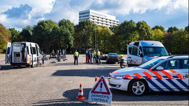 Zeventien overtredingen tijdens voertuigcontrole in Breda