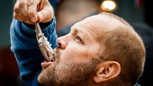 Rotterdamse vishandel wint AD-Haringtest 2017