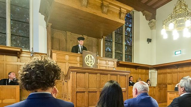 Jonge hoogleraar gaat voor nieuwe oude universiteit