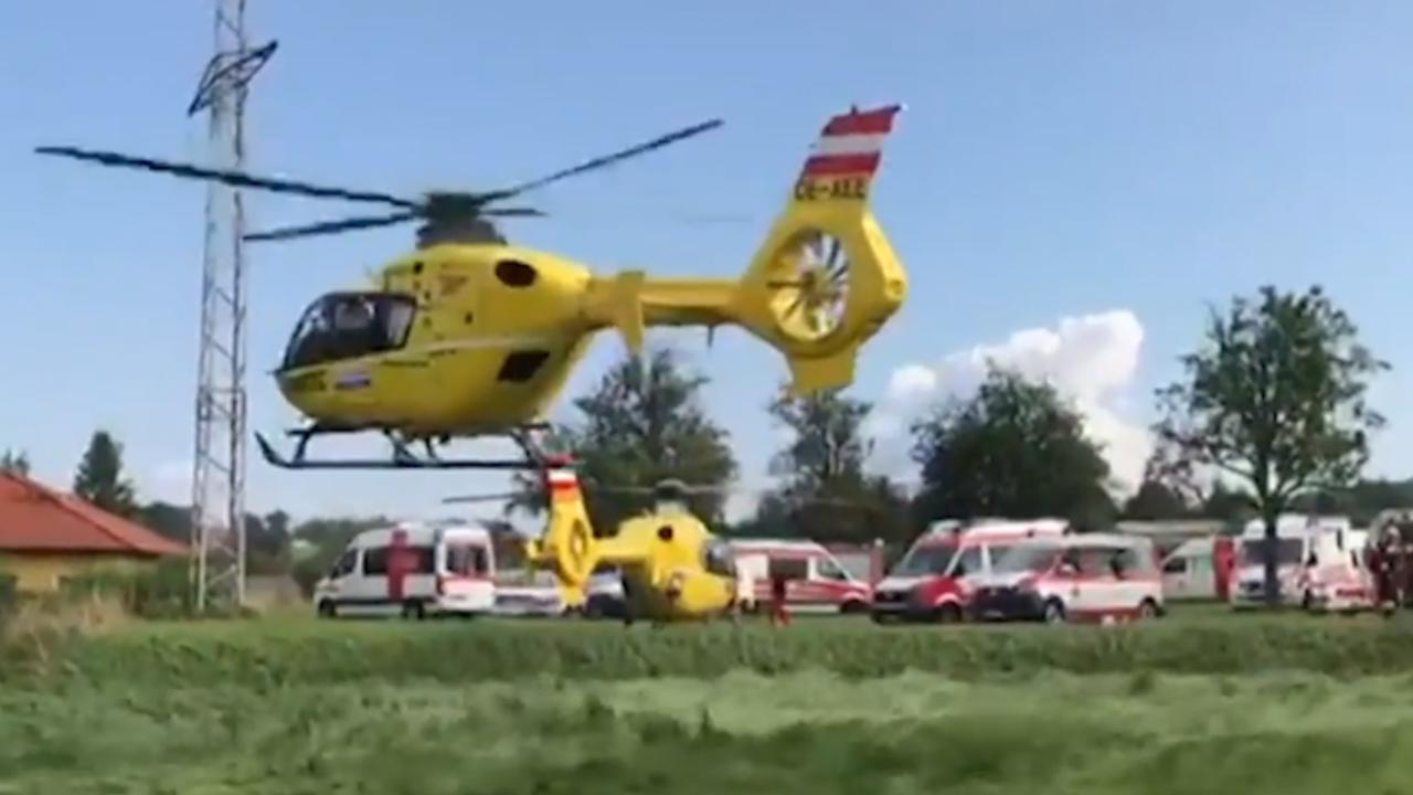 Hulpdiensten ter plaatse na treinontsporing Oostenrijk