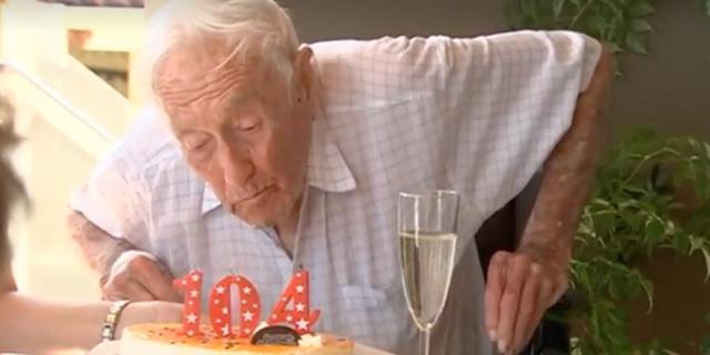 Oudste wetenschapper Australië (104) wijkt uit naar Zwitserland voor euthanasie