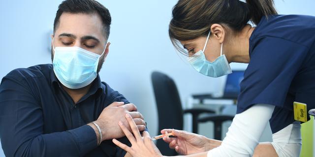 Pfizer-topman: Veel te vroeg voor vaccinatiebewijs