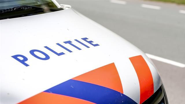 Auto beschoten in Noord, politie zoekt verdachten