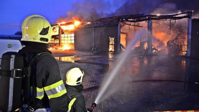 Asbest vrijgekomen bij grote brand Meterik