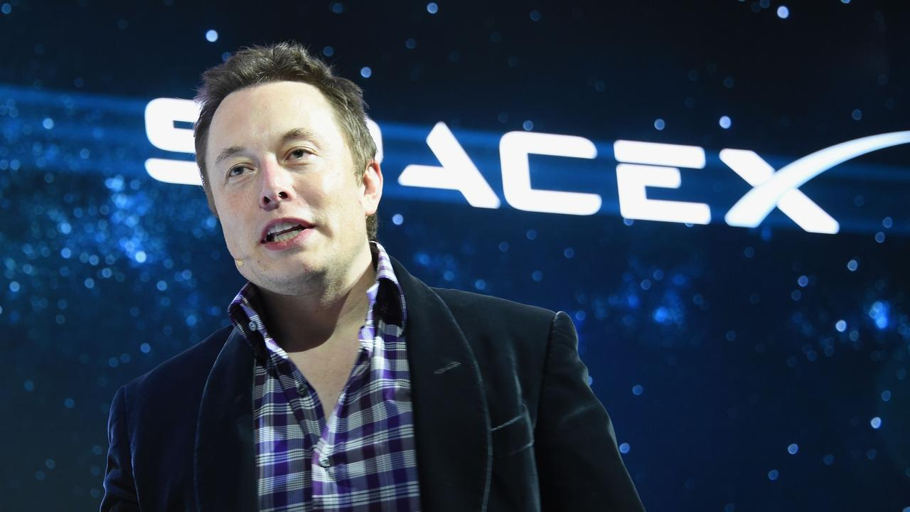 Elon Musk belooft dat snelheid van SpaceX-internet dit jaar verdubbelt - NU.nl