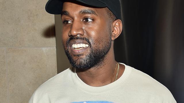 Kanye West jaar na zenuwinzinking terug op podium