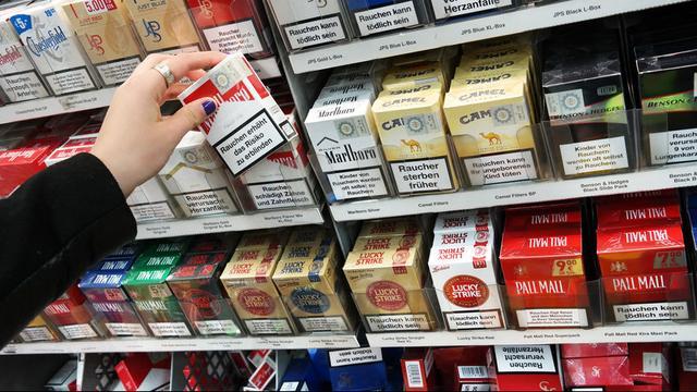 Sigaretten moeten vanaf woensdag echt uit het zicht zijn in de supermarkten