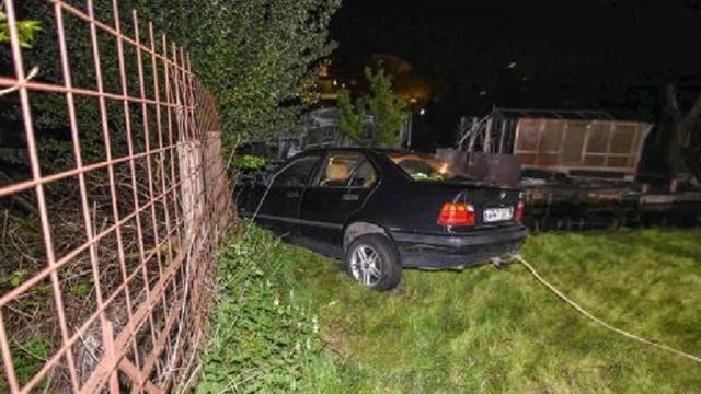 Auto bijna te water bij Avifauna, politie houdt één persoon aan