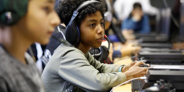 Discussies met gamend kind? 'Zelf twaalf uur per dag facebooken helpt niet'