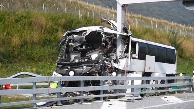 Ernstig ongeluk Duitse bus met tieners in Zwitserland