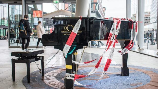 Stationspiano op Utrecht Centraal vernield door vandalen