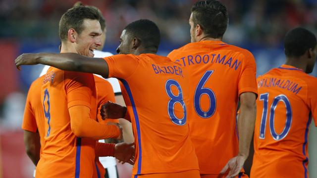 Nederlands elftal besluit oefenreeks met zege op Oostenrijk