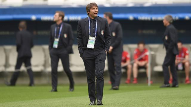 Italiaanse bondscoach Conte kijkt op tegen 'topploeg' Duitsland