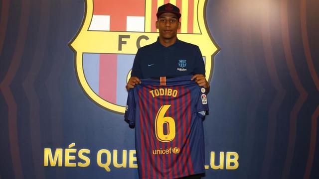 Barcelona neemt Todibo vervroegd over, Besiktas gunt Kagawa speeltijd