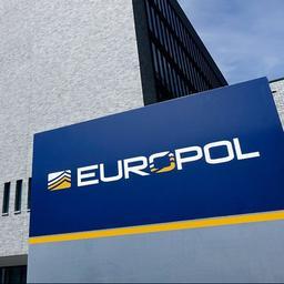 Europol haalt ruim 30.000 sites met illegale producten en diensten offline