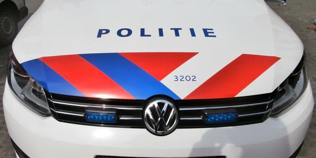 Politie zoekt vergeefs naar man met vuurwapen in Amsterdam-Oost