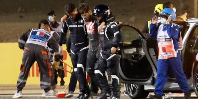 Grosjean mag dinsdag ziekenhuis in Bahrein verlaten na zware crash