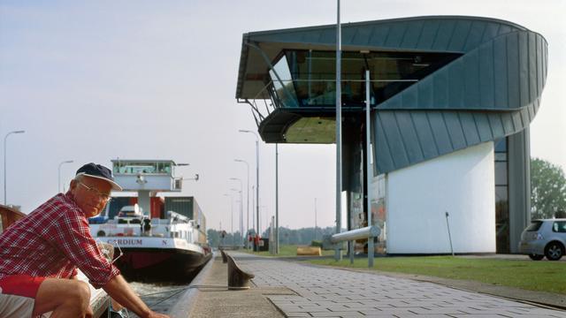 Oostersluisbrug tot volgend jaar zomer gestremd voor vrachtverkeer
