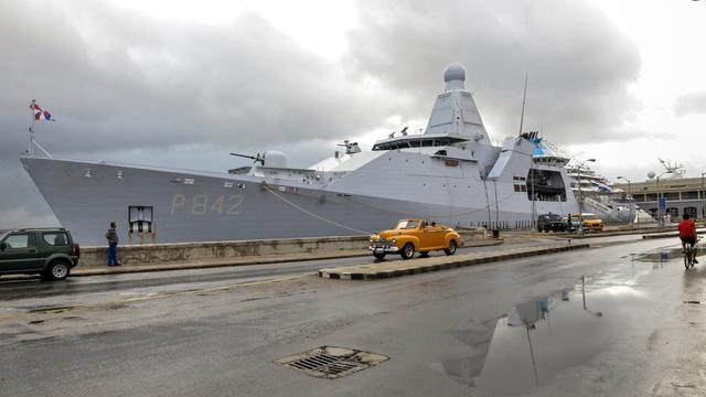 Marine onderschept bij Aruba boot met 900 kilo cocaïne aan boord