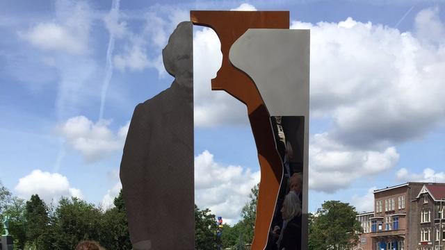 Jacob van Lennep heeft eigen standbeeld op Haarlemmerplein