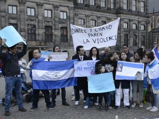 Tientallen belangstellenden steunen inwoners Nicaragua