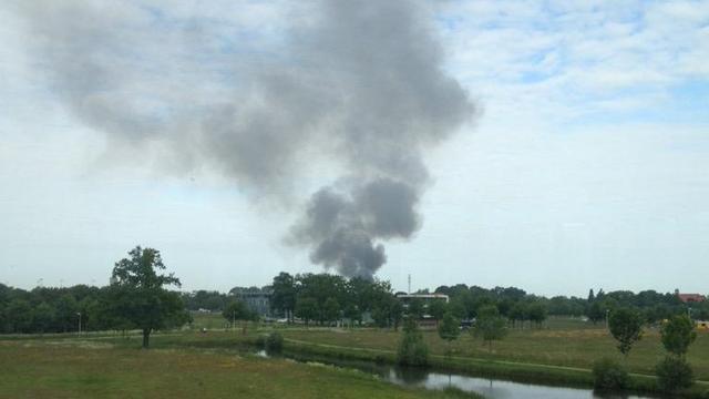 Asbest vrijgekomen bij grote brand in opslagloods Borne
