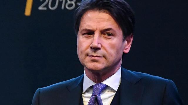 Onervaren Conte lijkt Italië te gaan leiden in eurosceptische koers