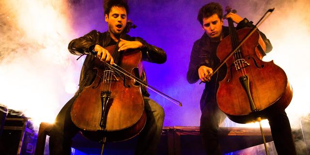 Na AC/DC waagt 2Cellos zich nu aan The Godfather