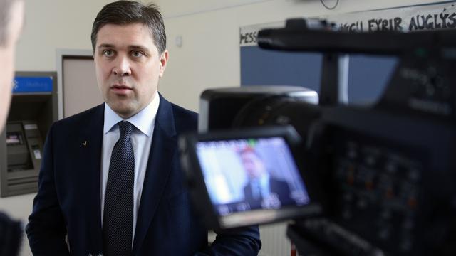 Premier IJsland presenteert nieuwe regering