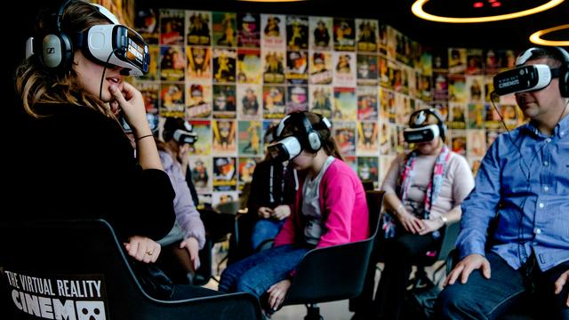 Virtual realitybioscoop geopend in Amsterdam
