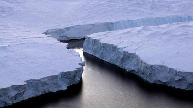 Gigantisch stuk Antarctisch ijs dreigt af te breken