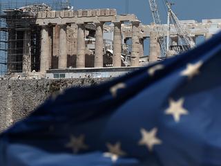 Land zal in ruil voor zo'n 86 miljard euro ingrijpende maatregelen moeten nemen