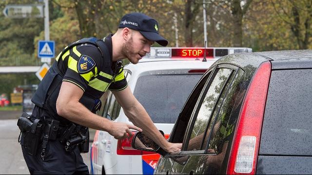 Drietal aangehouden na vondst vuurwapen in centrum Rotterdam