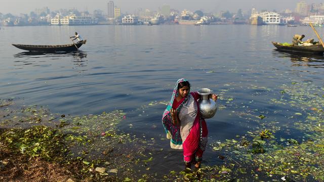 Miljoenen drinken gifwater in Bangladesh